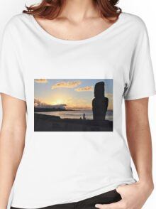 Moai in the Sunset - Rapa Nui - Easter Island Women's Relaxed Fit T-Shirt