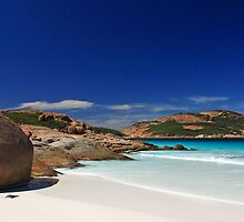 Lucky Bay, WA by Michael Bates