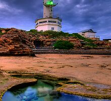 Lighthouse Rockpool by Hans Kawitzki