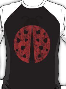 ladybug love. T-Shirt