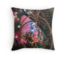 Christmas Claddagh Throw Pillow