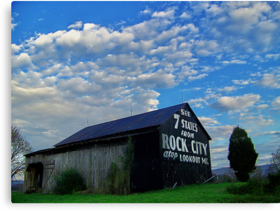 Rock City, Tennessee, barn  by lynell