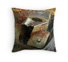 Without heart Throw Pillow