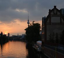 Berlin sunset by edwinek