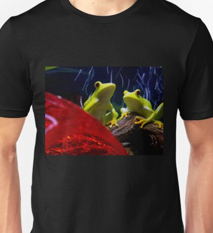 watching the bubble Unisex T-Shirt