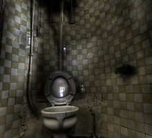 Turret Toilet by Richard Shepherd