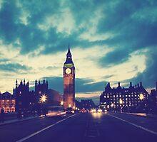 London #1 by Esteuan