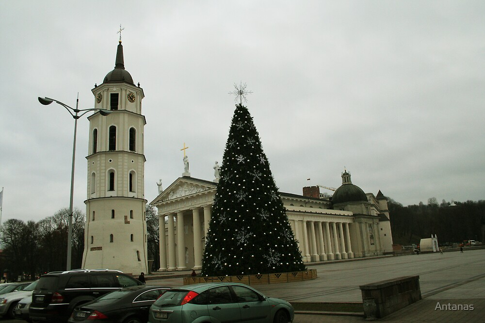 Vilnius preparing for Christmas by Antanas