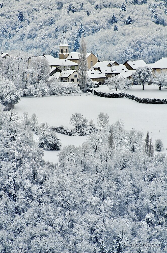 Snow on Musièges village by Patrick Morand
