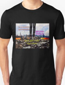 Zombie Apocalypse - get over the river T-Shirt