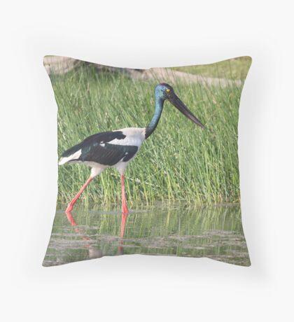 Kakadu Wanderer Throw Pillow