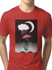 The octopus and the sea (on a rainy day) Tri-blend T-Shirt