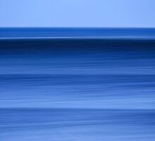 Sets Approaching The Hawaiian Pipeline by David Orias