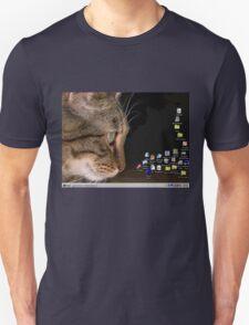 cat n mouse T-Shirt
