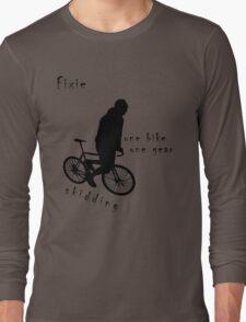 Fixie - one bike one gear - skidding (black) T-Shirt