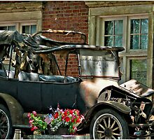 Antique Horseless Carriage by LocustFurnace