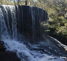 Weeping Rock, Blue Mountains by BeckyMP