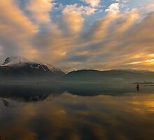 Ben Nevis sunrays by Terry Mooney