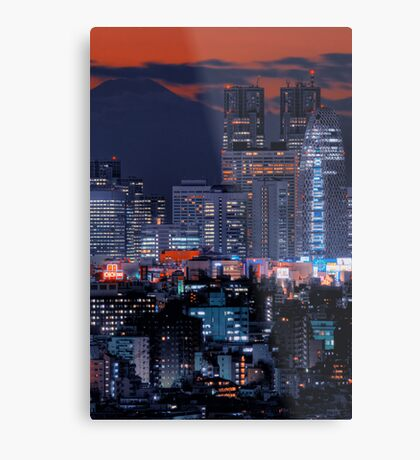 Twilight in Tokyo & Mount Fuji decided to put in an appearance Metal Print