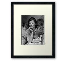 Migrant Mother, taken by Dorothea Lange in 1936 Framed Print