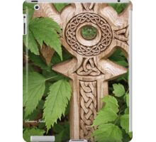 A Celtic Cross for St Patrick's Day iPad Case/Skin