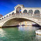 Rialto Bridge by FLYINGSCOTSMAN
