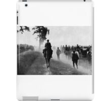 RUSSIAN 8-INCH GUNS (Model of 1877) ADVANCING TO THE POSITIONS. 1917 iPad Case/Skin