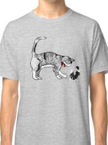 City cat saves city chick Classic T-Shirt