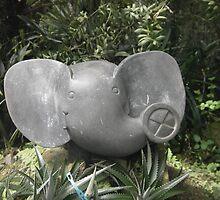 Elephant Statue by dizzycat