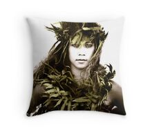 Na Maka 'A -- Fiery Eyes Throw Pillow
