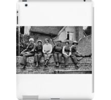 THE WAR BROWNIES RESTING DURING LUNCH TIME - MUNITION WORKERS OF ENGLAND 1916 iPad Case/Skin