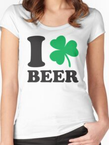St. Patrick's day: I love Beer Women's Fitted Scoop T-Shirt