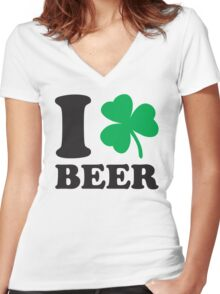 St. Patrick's day: I love Beer Women's Fitted V-Neck T-Shirt