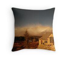 Mount Meeker wind storm Throw Pillow