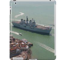 'LUSTY' returns - HMS Illustrious' final return to Portsmouth iPad Case/Skin