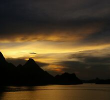 HaLong Sunset by Norman Repacholi
