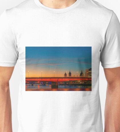 London At Twilight, England Unisex T-Shirt