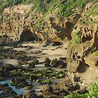 Caves Beach, Lake Macquarie. by Phil Woodman