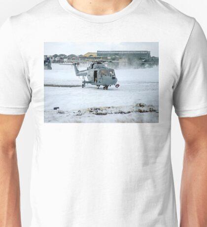 Westland Lynx HAS.2 XZ257/346 landing at RAF Stanley Unisex T-Shirt