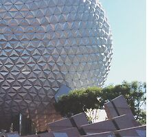 EPCOT by claudiaiarce