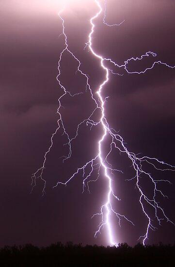 Millmerran Lightning by Anthony Cornelius