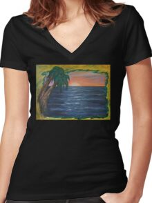 KAMA'AINA Women's Fitted V-Neck T-Shirt