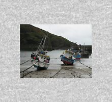 LOW TIDE AT PORT ISSAC CORNWALL Unisex T-Shirt