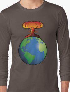 Nuclear explosion on Earth Long Sleeve T-Shirt