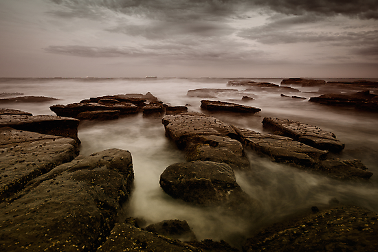 Bar Beach Rock Platform by Mark Snelson