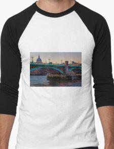Southwark Bridge, London, England Men's Baseball ¾ T-Shirt