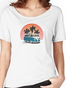 VW Split Bus Teal with Surfboard, Palmes & Sunset Women's Relaxed Fit T-Shirt