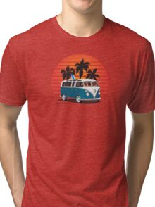 VW Split Bus Teal with Surfboard, Palmes & Sunset Tri-blend T-Shirt