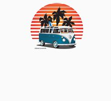 VW Split Bus Teal with Surfboard, Palmes & Sunset Unisex T-Shirt