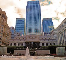 Canada Square in London UK by Lesliebc